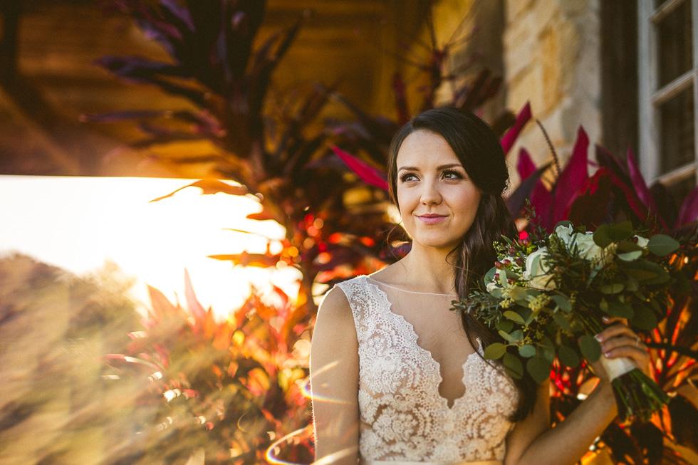 13-amy-cresci-bridals-happydaymedia