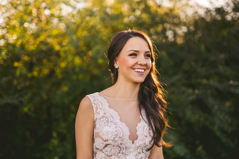4-amy-cresci-bridals-happydaymedia