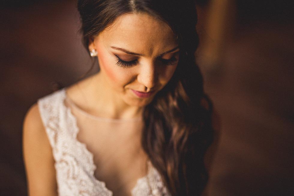 6-amy-cresci-bridals-happydaymedia