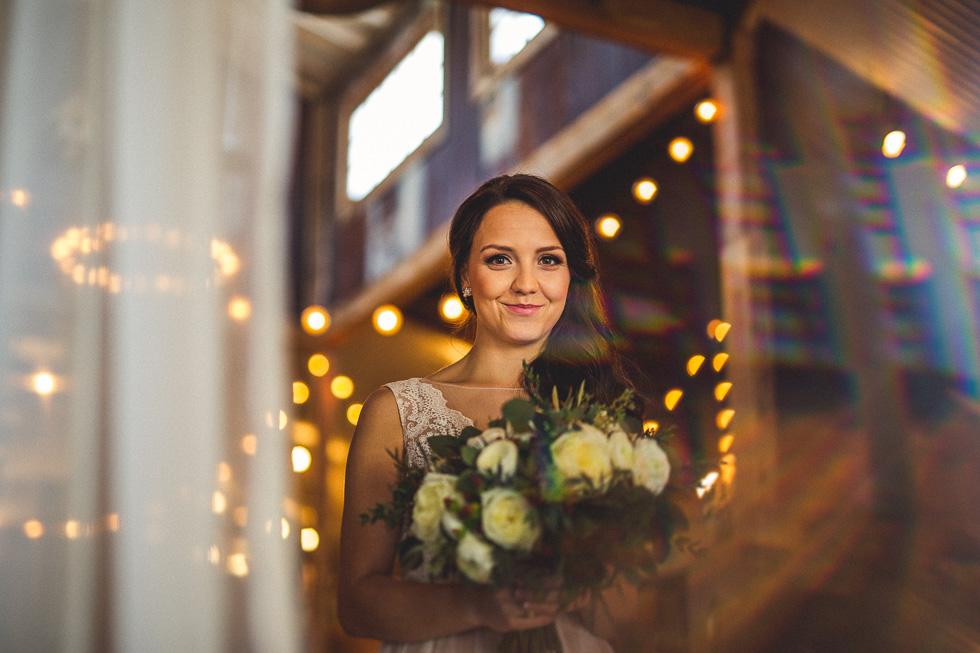 7-amy-cresci-bridals-happydaymedia