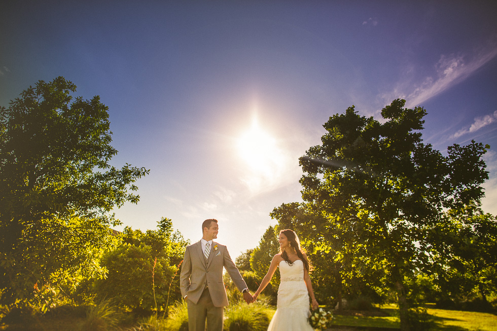 1-antebellum-oaks-austin-spring-wedding-photographer-andyandcarriephoto