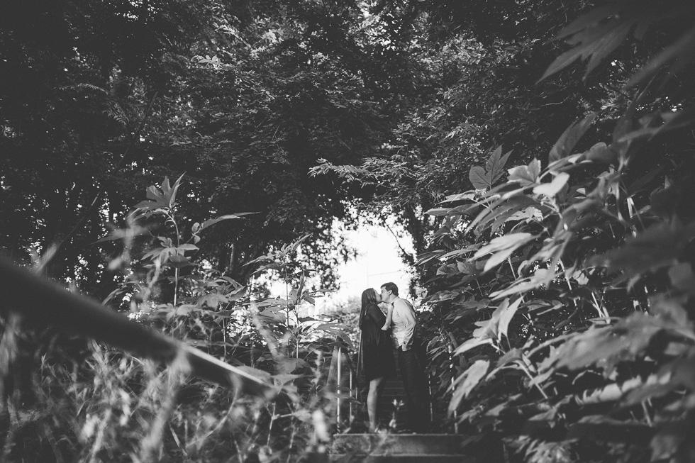 10-austin-engagement-photographer-trail-lady-bird-lake