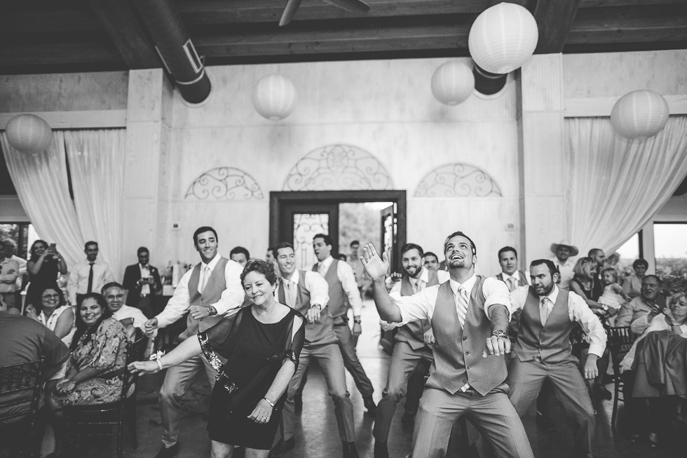 12-antebellum-oaks-austin-spring-wedding-mother-groom-groomsmen-choreographed-dance-photographer-andyandcarriephoto