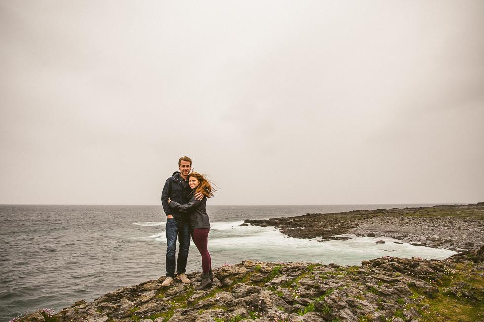 13-destination-wedding-week-bus-tour-photos-couple-rocky-coast-ireland-andyandcarriephoto