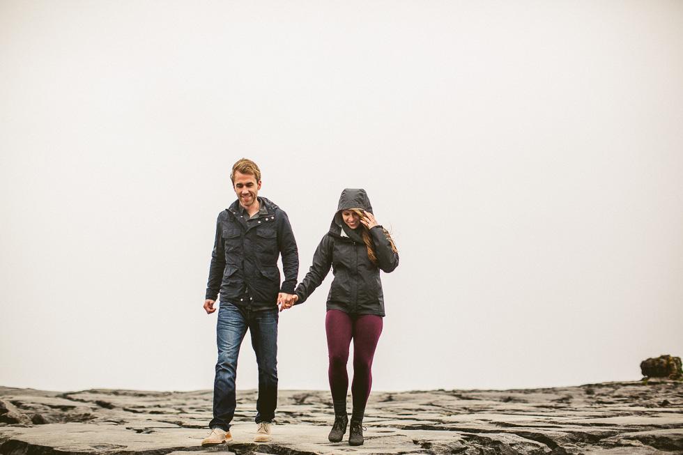 15-destination-wedding-week-bus-tour-photos-couple-rocky-coast-ireland-andyandcarriephoto