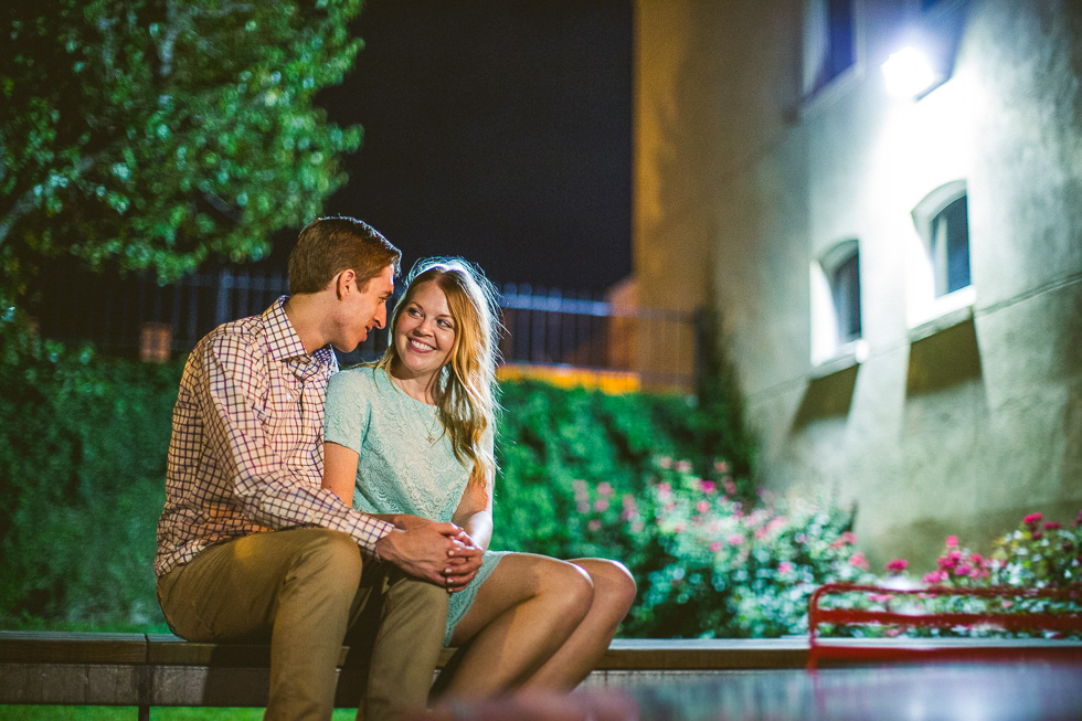15-downtown-austin-engagement-photography-couple-night-session
