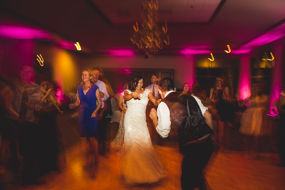 15-sugar-creek-country-club-wedding-reception-dancing-sugar-land-houston-photographer-andyandcarriephoto