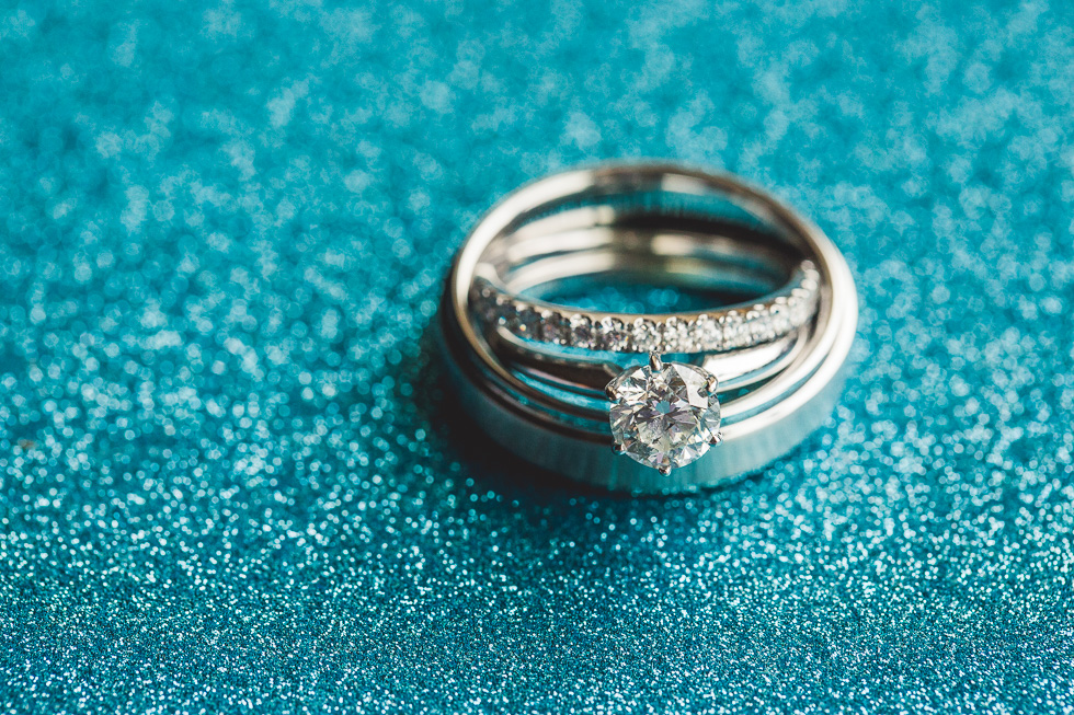 2-st-theresa-catholic-church-wedding-rings-sugar-land-houston-photographer-andyandcarriephoto