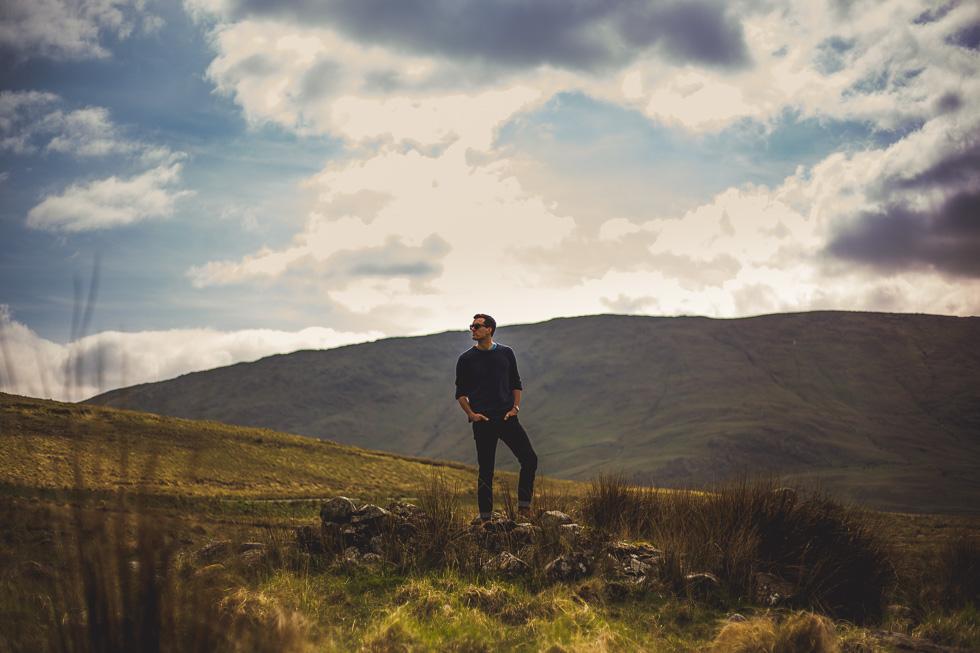 22-andy-carrie-ireland-connemara-green-fields-andyandcarriephoto