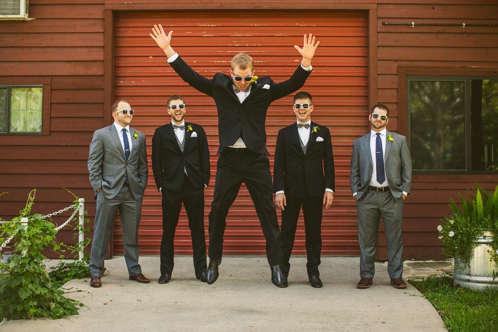 3-rustic-rose-willis-houston-texas-wedding-photographer-groomsmen