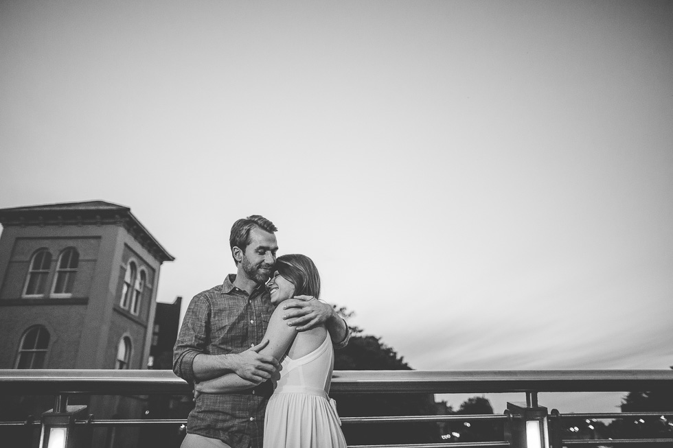 32-destination-wedding-week-photos-engaged-couple-galway-ireland-andyandcarriephoto