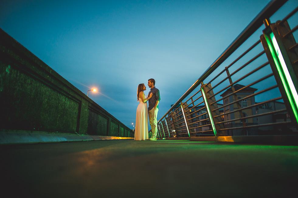 33-destination-wedding-week-photos-engaged-couple-galway-ireland-andyandcarriephoto