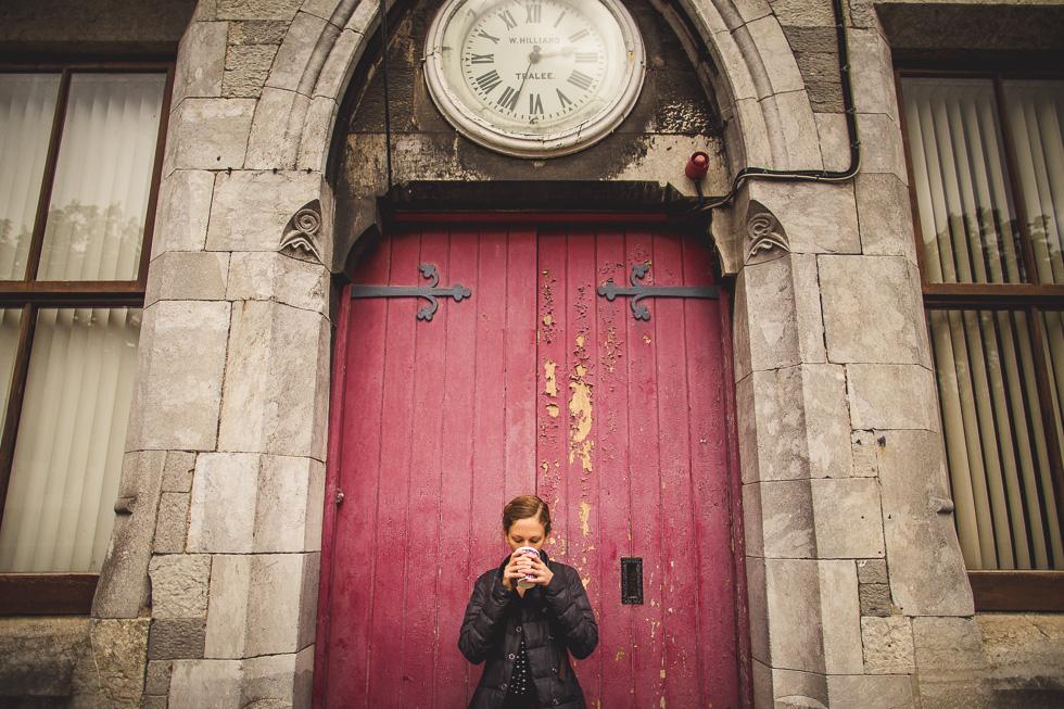 37-andy-carrie-ireland-tralee-exploring-red-door-coffee-clock-andyandcarriephoto