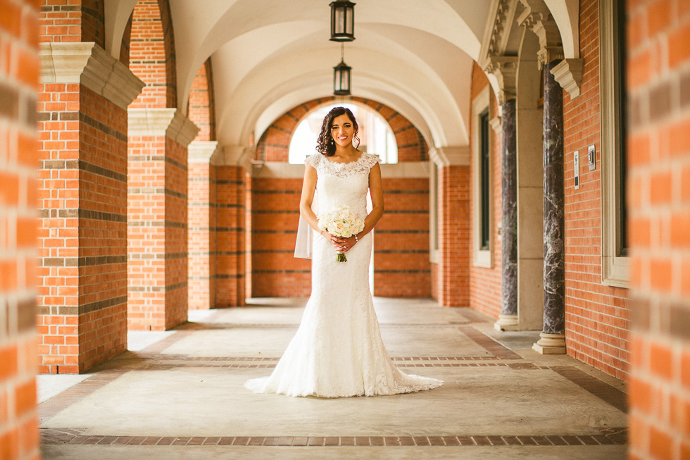 4-st-theresa-catholic-church-wedding-sugar-land-houston-photographer-andyandcarriephoto