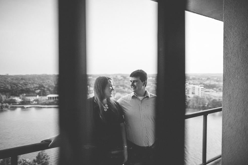 5-austin-engagement-photographer-lifestyle-downtown-couple