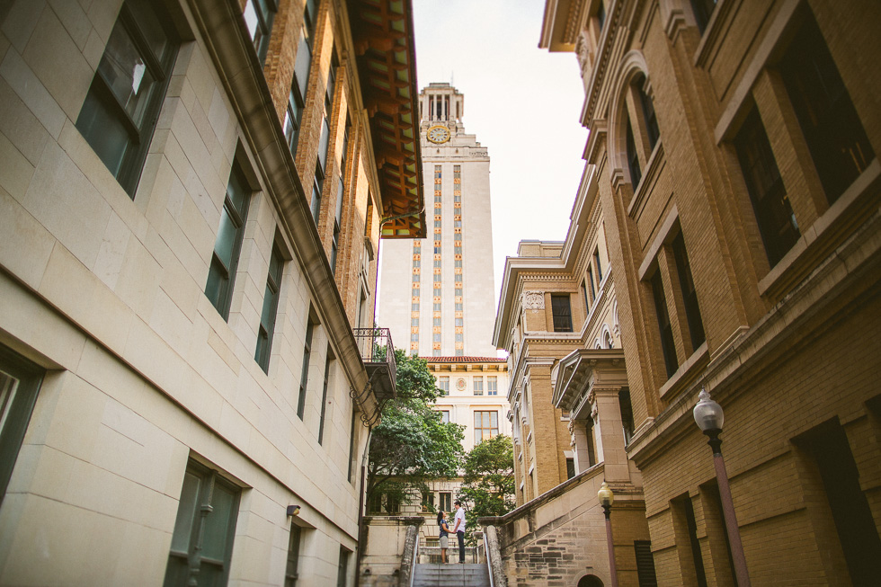 5-ut-campus-engagement-photographer-university-texas-tower