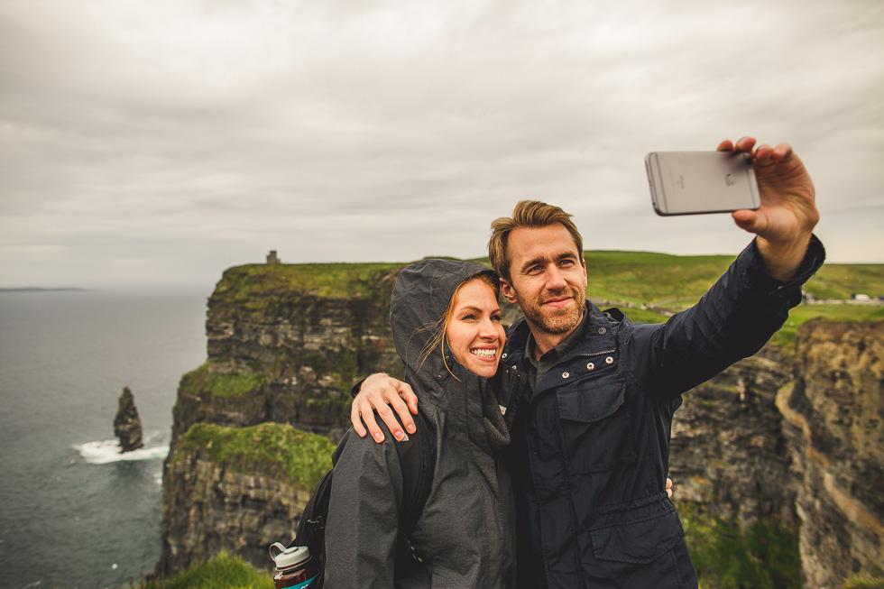 6-destination-wedding-week-photos-cliffs-of-moher-ireland-andyandcarriephoto
