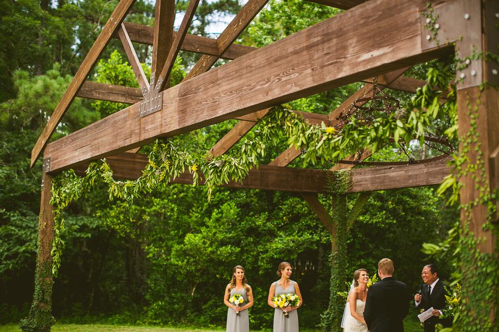 6-rustic-rose-willis-houston-texas-wedding-photographer-bride-groom-ceremony