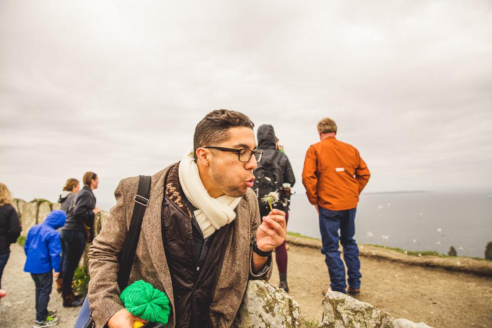 7-destination-wedding-week-photos-cliffs-of-moher-dandelion-ireland-andyandcarriephoto