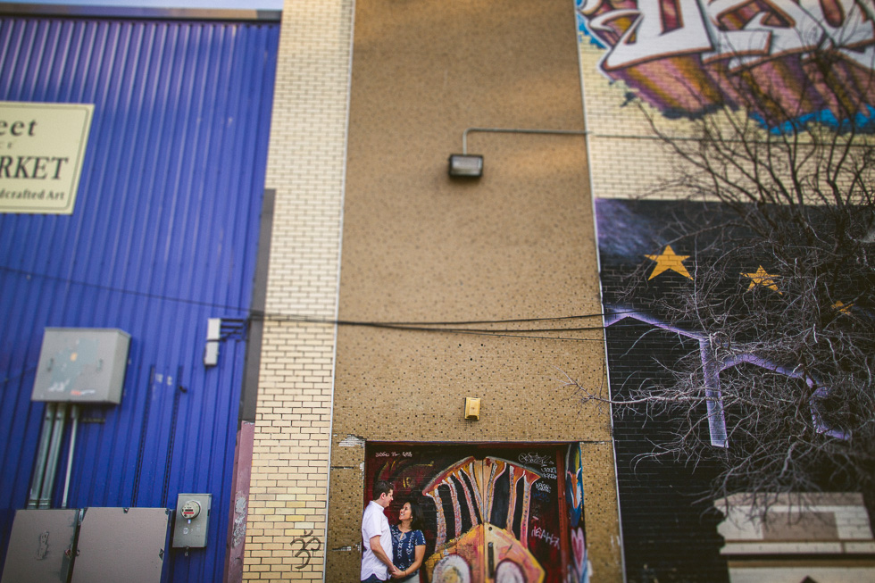 7-ut-campus-engagement-photography-university-texas-guadalupe-drag-mural